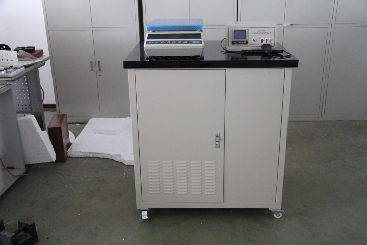 Compacted-Bituminous-Mixtures-Density-Tester-Picture