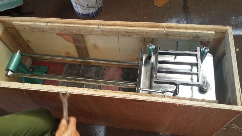 Stampende-Table-verskaffer